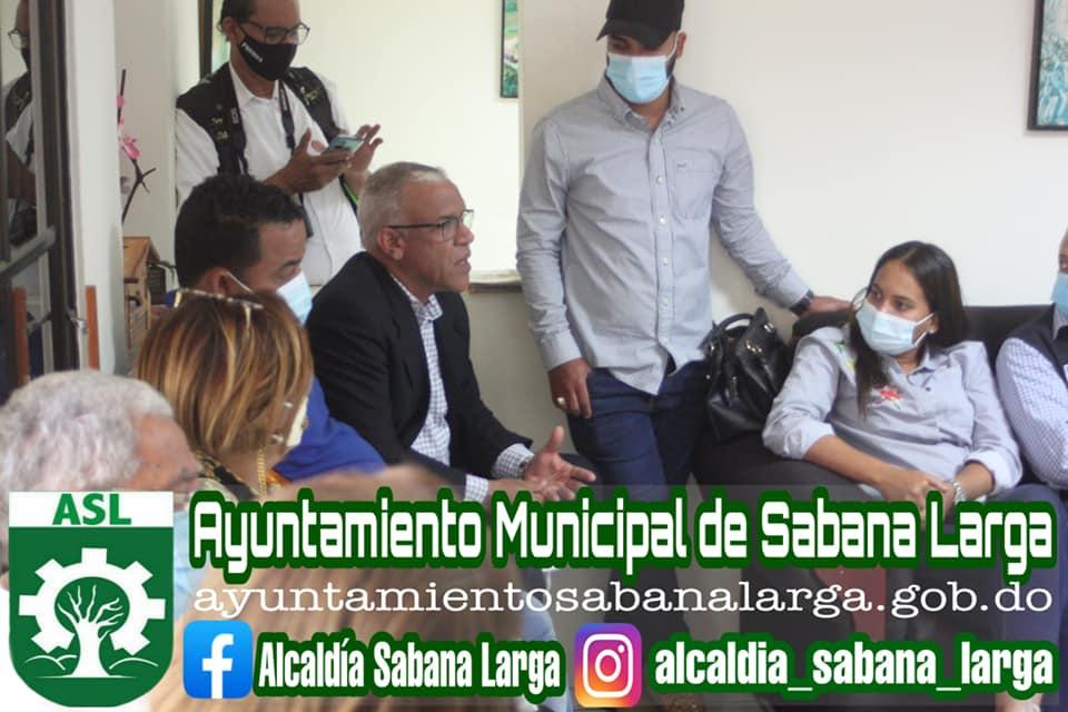 Alcalde Participa en Importante Reunión con Viceministro de Medio Ambiente y Autoridades Provinciales