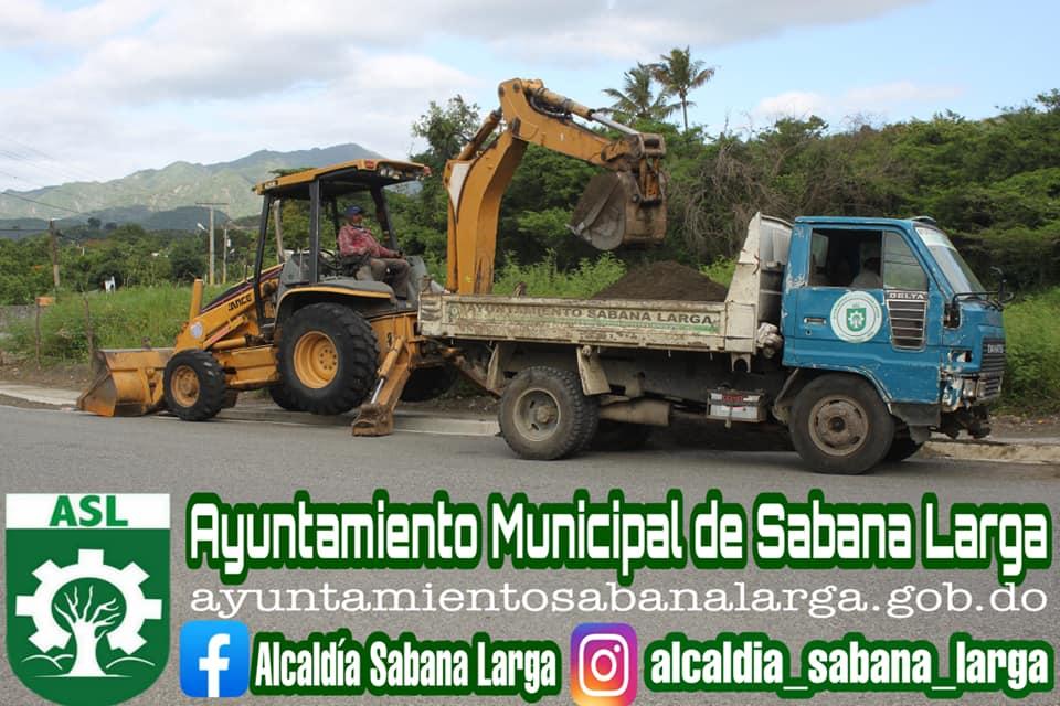 Se Realizan Trabajos de Limpieza en las Distintas Canaletas del Municipio
